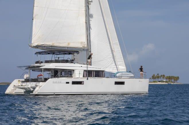 Whispers II Yacht Charter | Lagoon
