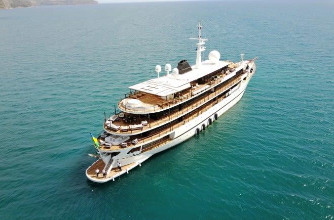 Chakra Yacht Charter | Devonport