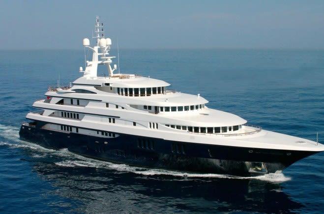 Freedom Yacht Charter | Benetti