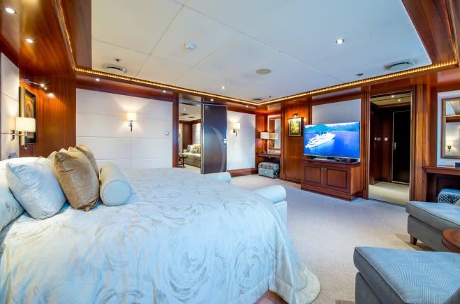 M/Y Lauren L Yacht #10