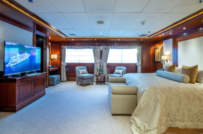 M/Y Lauren L Yacht #13