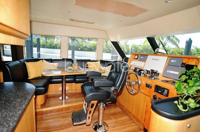 M/Y Illiquid Yacht #12