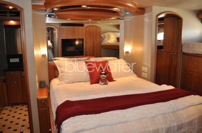 M/Y Illiquid Yacht #10