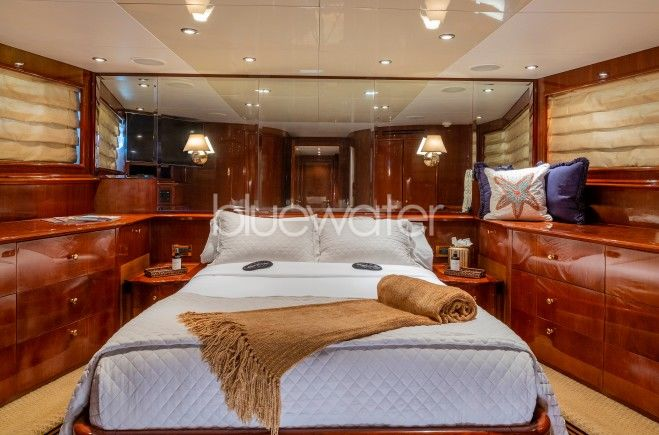 M/Y Outta Touch Yacht #16