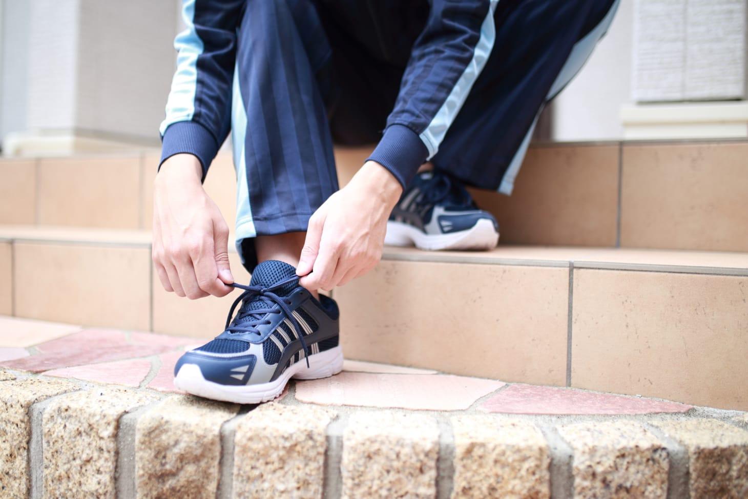 介護職員に適した靴とは?選び方をご紹介!