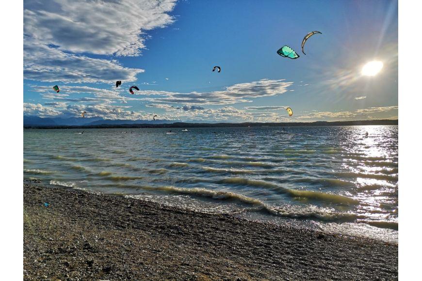 Starnberger See (Ambach) Deutschland zum Kitesurfen und Windsurfen