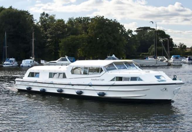 Amethyst Light - River Cruiser