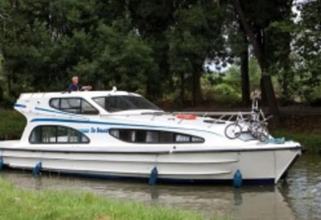 Caprice - Motor Cruiser