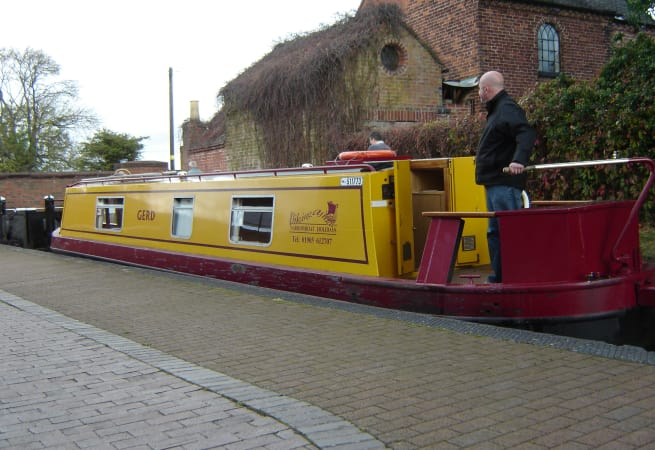 The Oscar - 4 Person Canal Boat