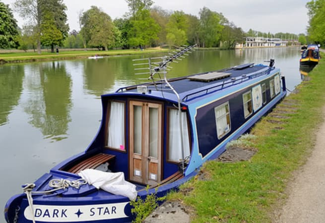 The Dark Star  - 7 Person Canal Boat