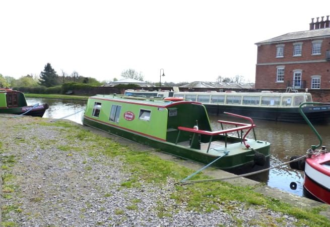 The Angela  - 3 Person Canal Boat