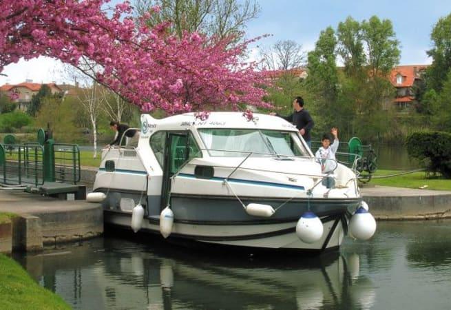 Confort 900 - Custom Built River Cruiser