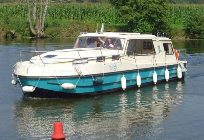 Riviera 1130 - Custom Built River Cruiser