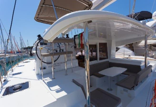 Sunshine - Lagoon 400 S2 Catamaran