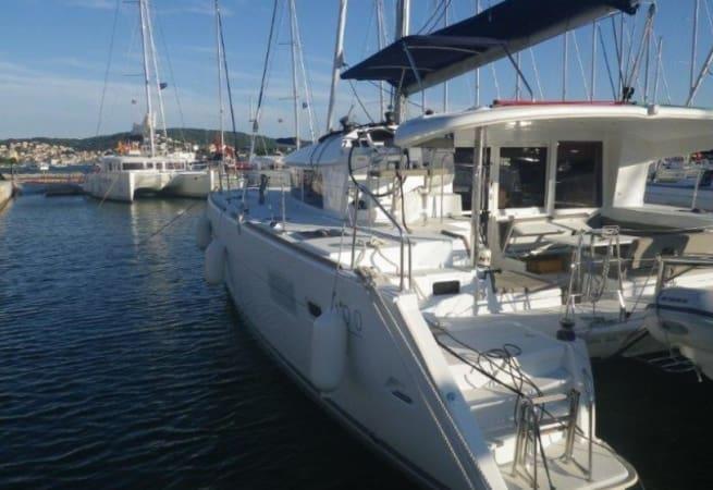 Vicki - Lagoon 400 S2 Catamaran