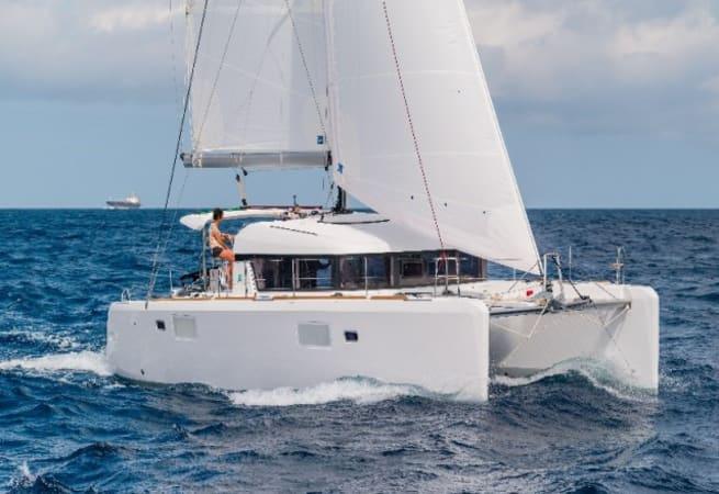 Wonderland - Lagoon 400 S2 Catamaran