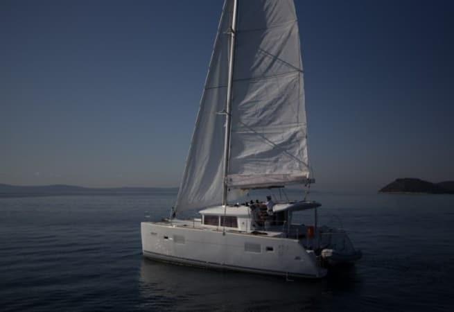 Barnacle II - Lagoon 400 S2 Catamaran
