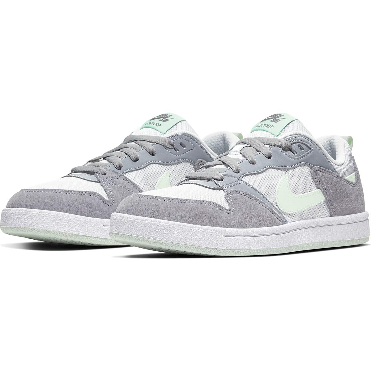 NIKE SB Women's Alleyoop Sneaker