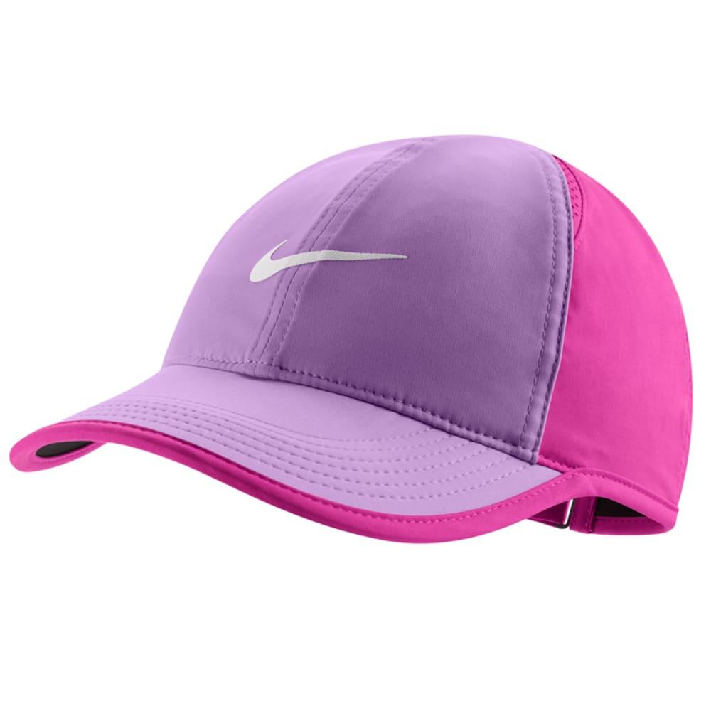 NIKE Women's NikeCourt AeroBill Featherlight Tennis Cap - FUCHSIA