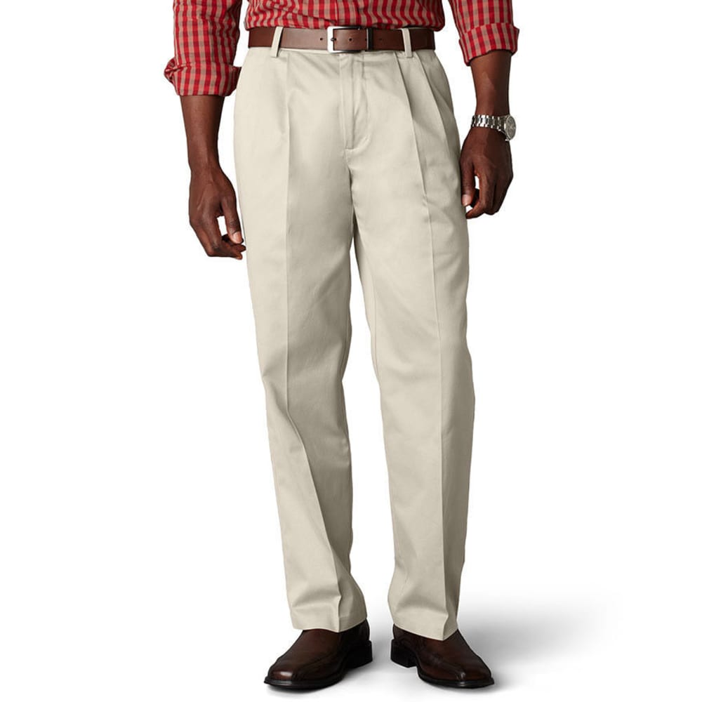 Dockers Signature Khaki Classic Fit Pleated Pants - White, 30/32