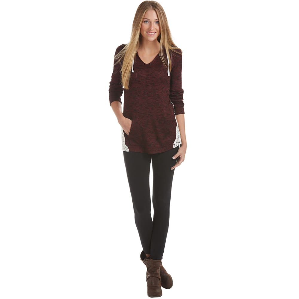 MISCHEVIOUS Juniors' Hacci V-neck Hoodie with Crochet Sides - WINE