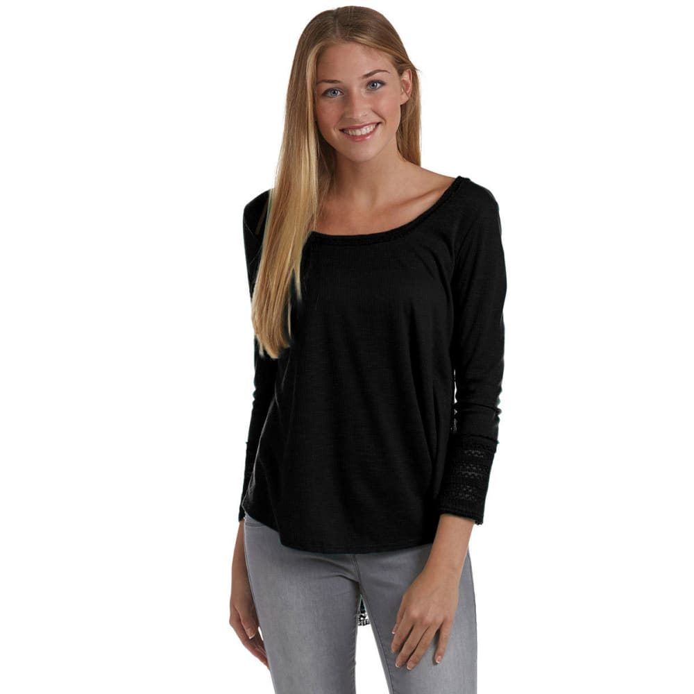 ALMOST FAMOUS Juniors' Ribbed Swing Crochet Top - BLACK