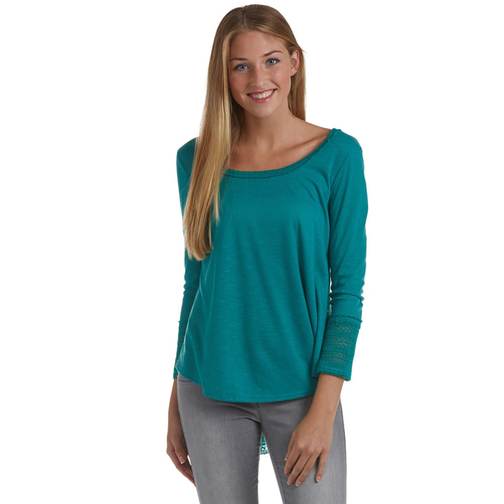 ALMOST FAMOUS Juniors' Ribbed Swing Crochet Top - TEAL