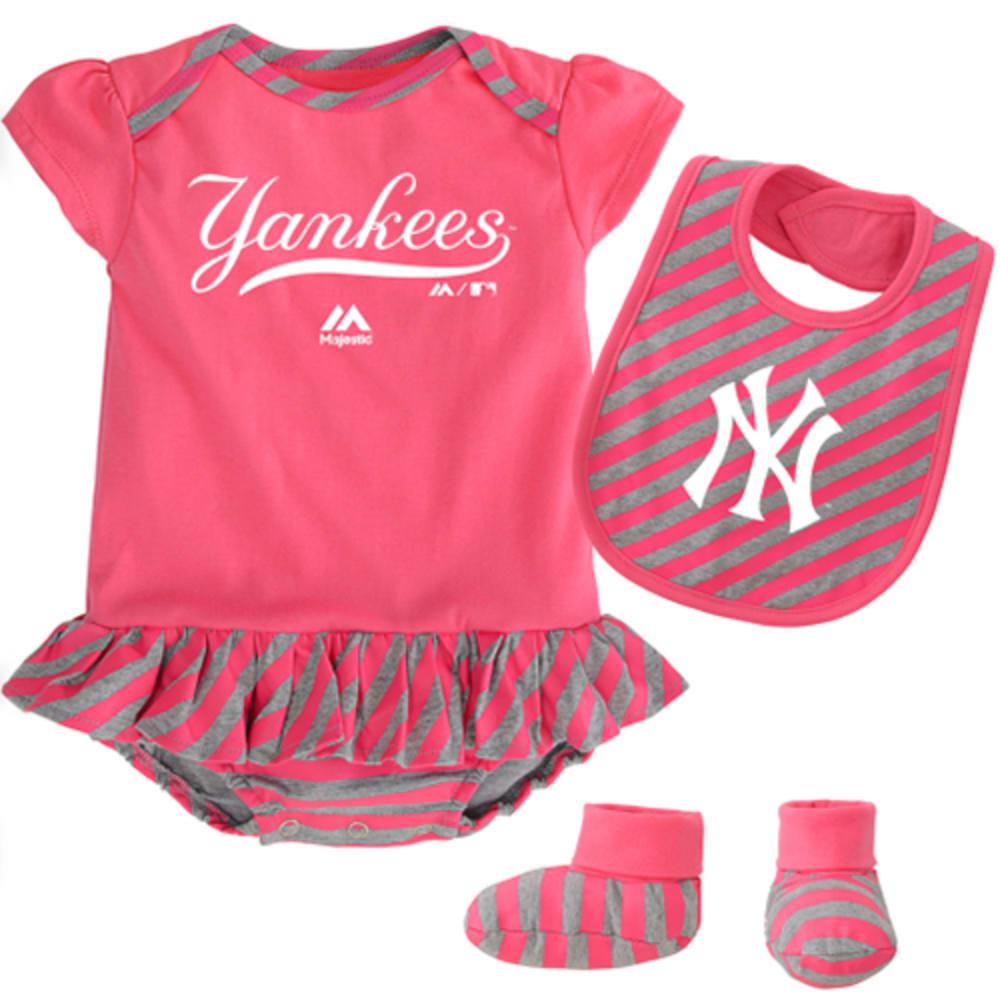 NEW YORK YANKEES Bodysuit, Bootie, and Bib Set - YANKEES