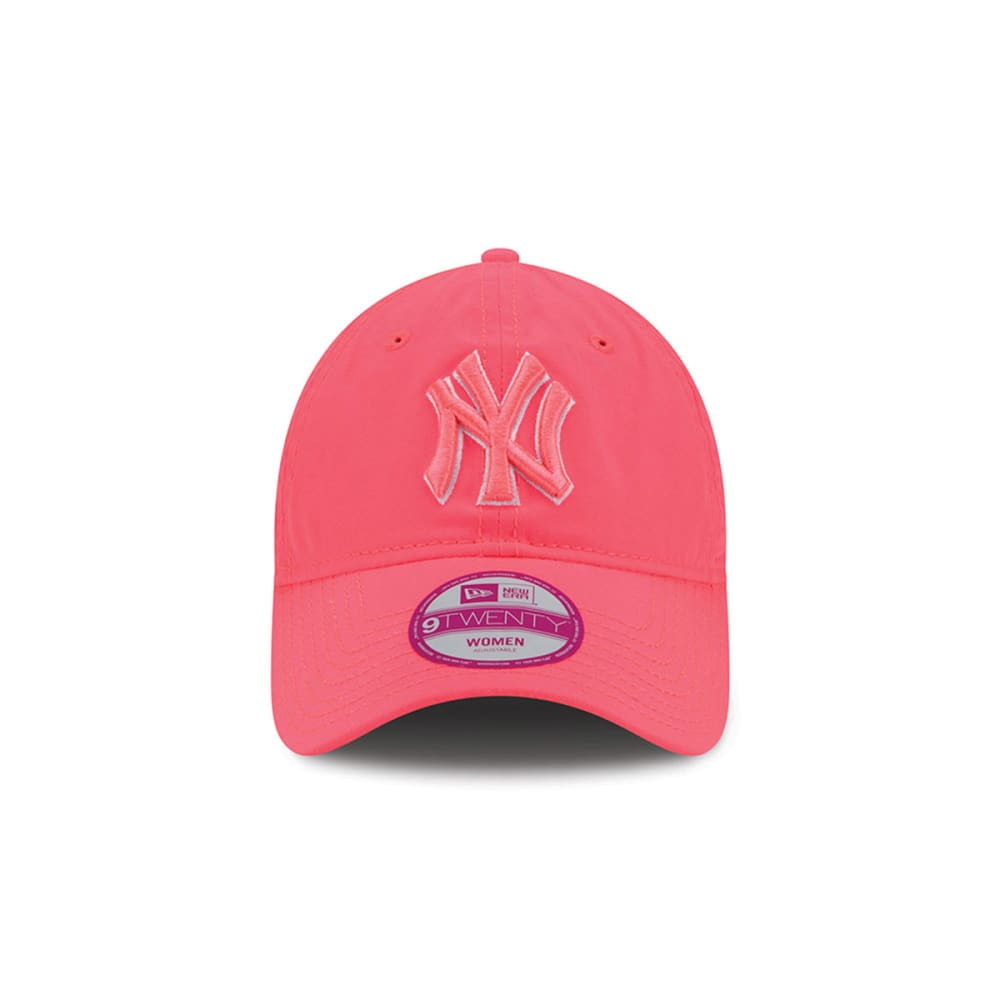 NEW YORK YANKEES Women's Fashion Essential 9FORTY® Hat - PINK