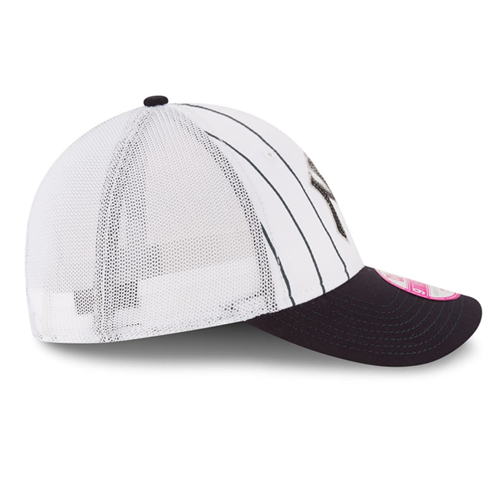 NEW YORK YANKEES Women's Truck Lust Pinstripe Adjustable Cap - YANKEES
