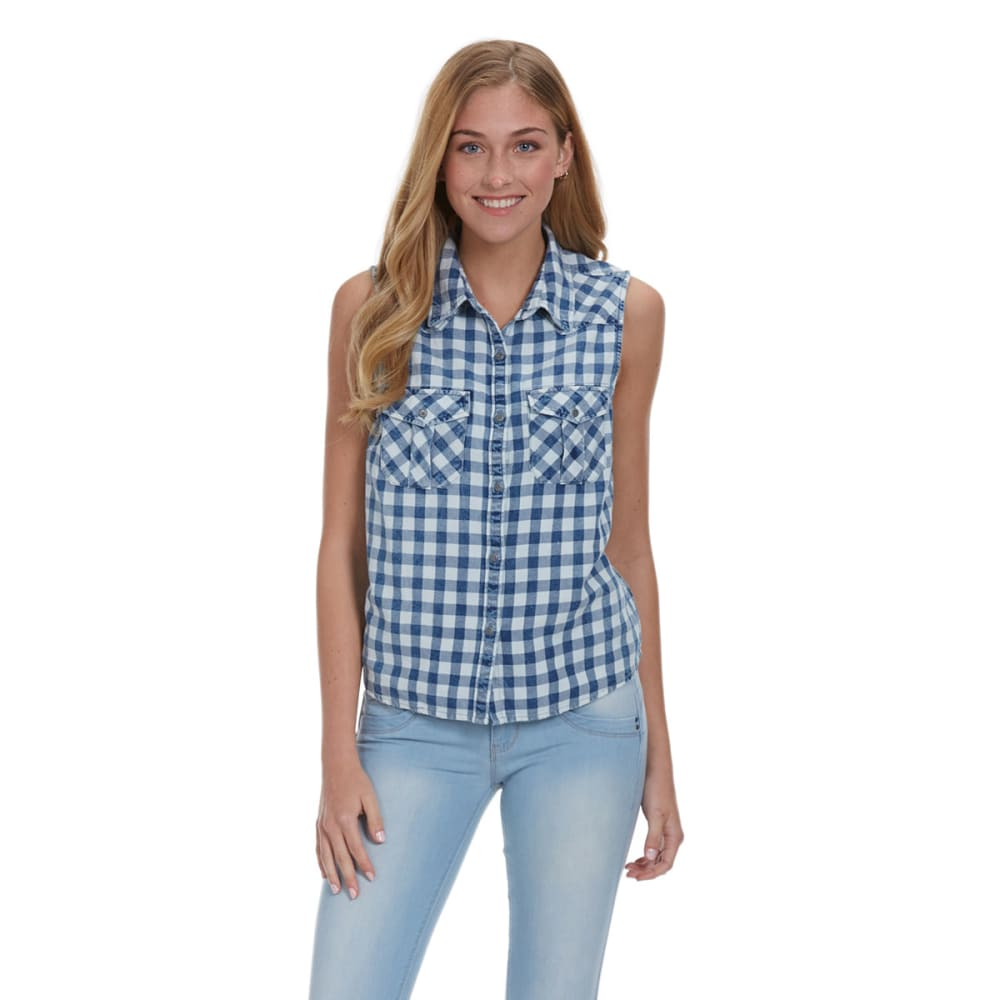 VANILLA STAR Juniors' Checkered Sleeveless Button Down Shirt - INDIGO DENIM