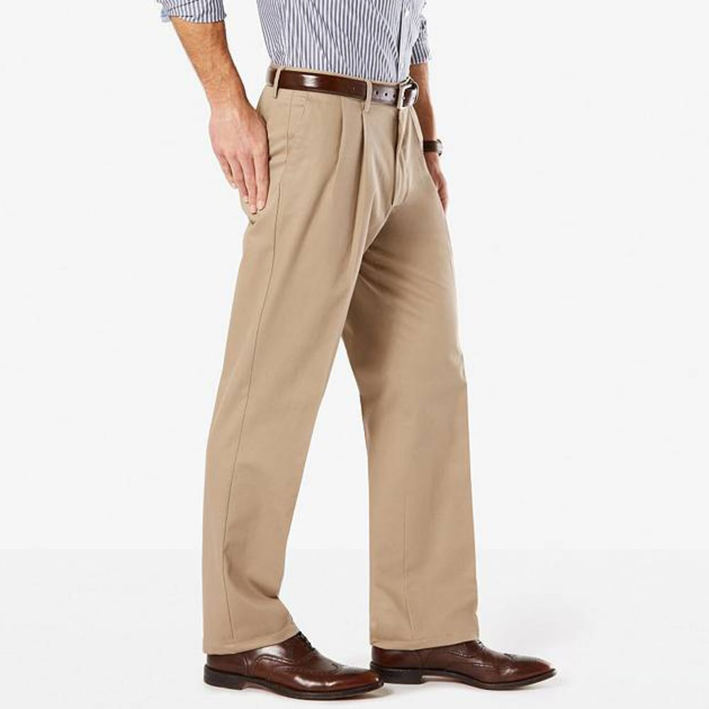 DOCKERS Men's Signature Stretch Pleated Classic Fit Khaki Pants - TIMBER WOLF 0002