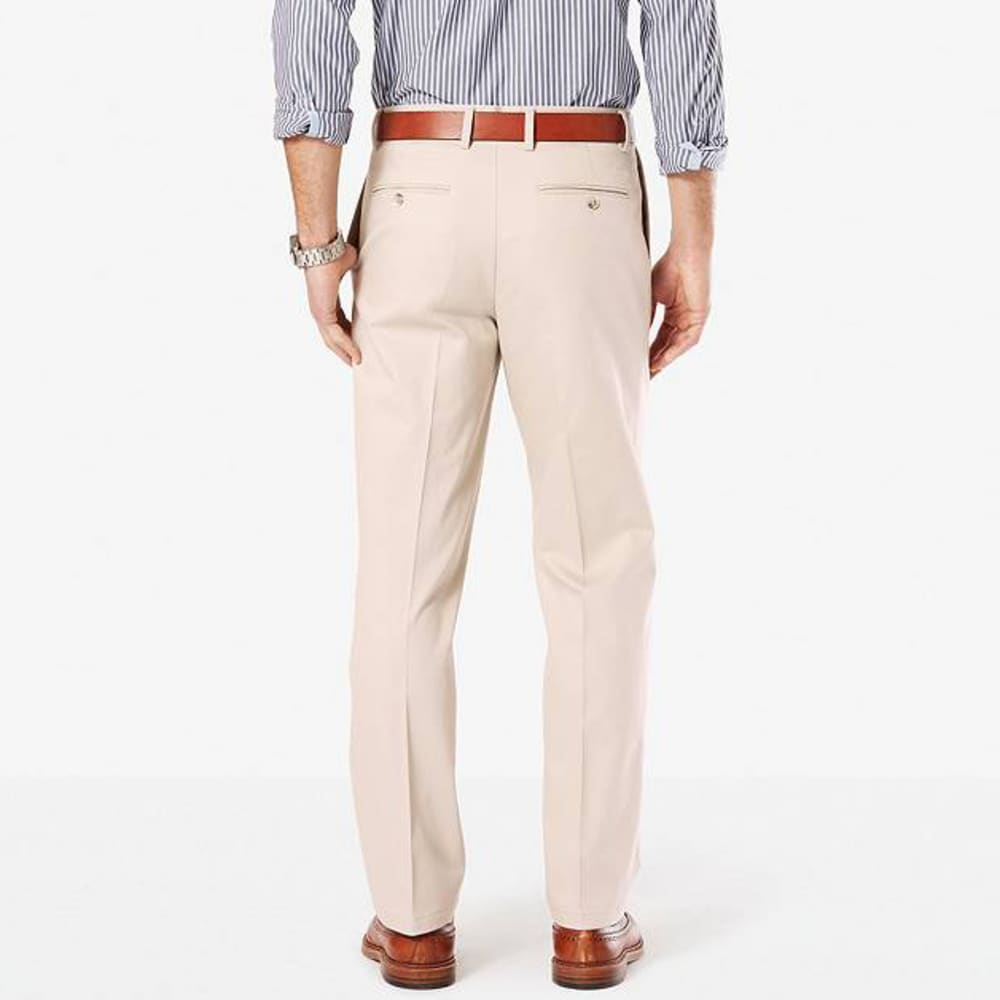DOCKERS Men's Signature Stretch Pleated Classic Fit Khaki Pants - CLOUD 0004