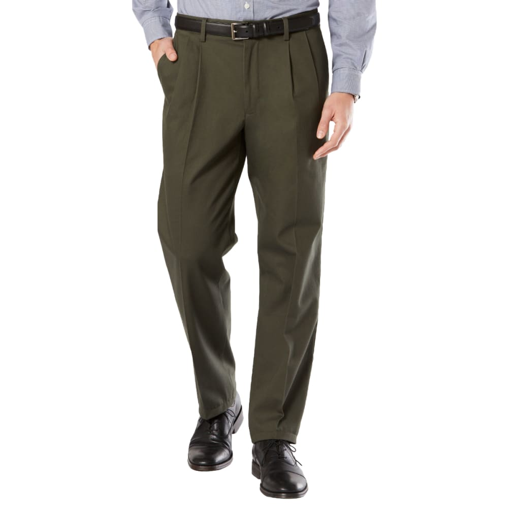 DOCKERS Men's Signature Stretch Pleated Classic Fit Khaki Pants 30/32
