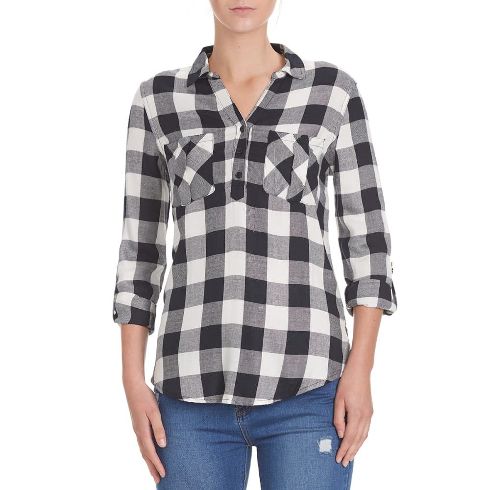 PINK ROSE Juniors' Two-Pocket Popover Rayon Flannel Shirt - BLACK/WHITE COMBO