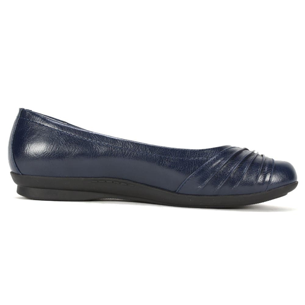 CLIFFS Women's Hilt Flats - NAVY