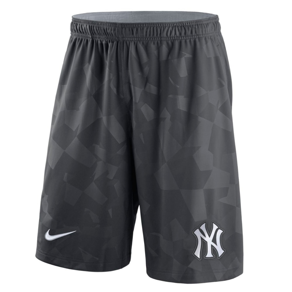 NIKE Men's New York Yankees GM Knit Shorts S