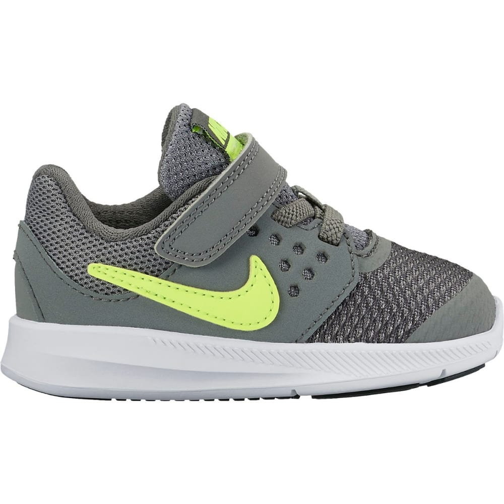 NIKE Little Boys' Downshifter 7 Toddler Shoes 4