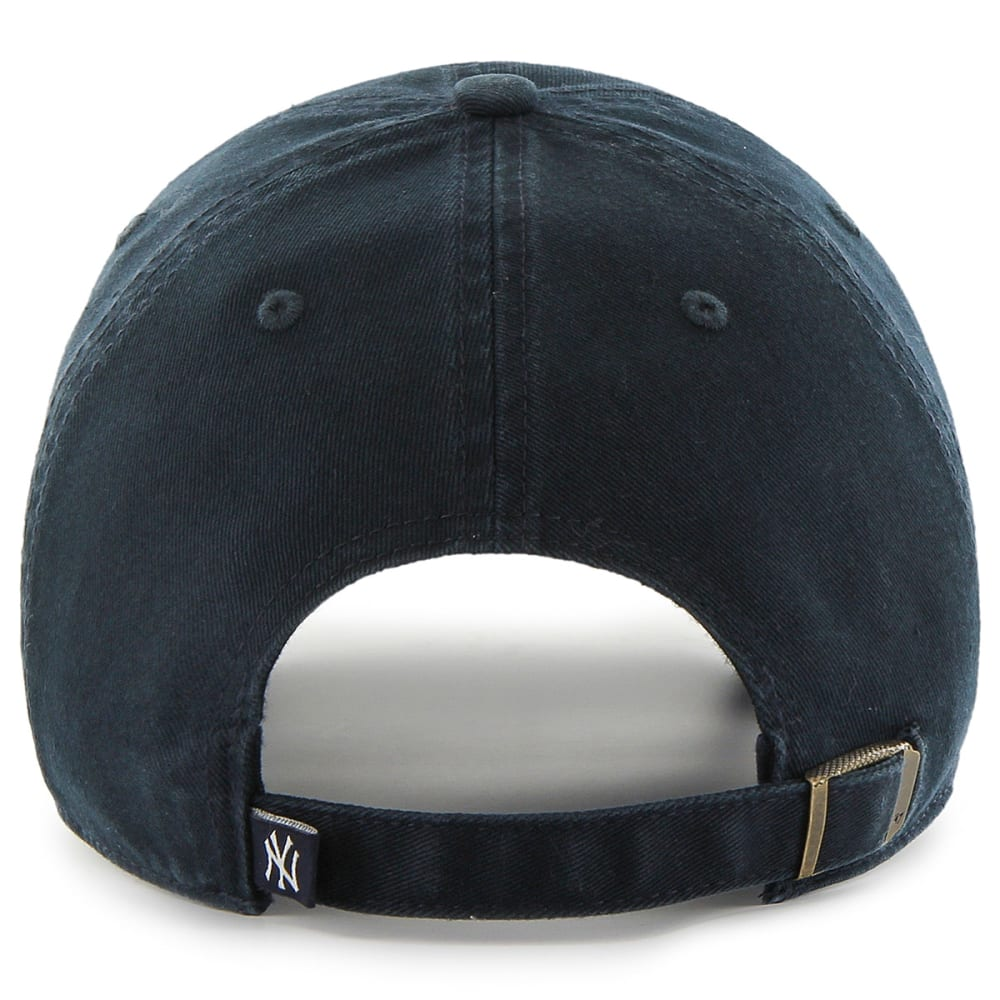 NEW YORK YANKEES Men's Yakker '47 Clean Up Adjustable Cap - NAVY