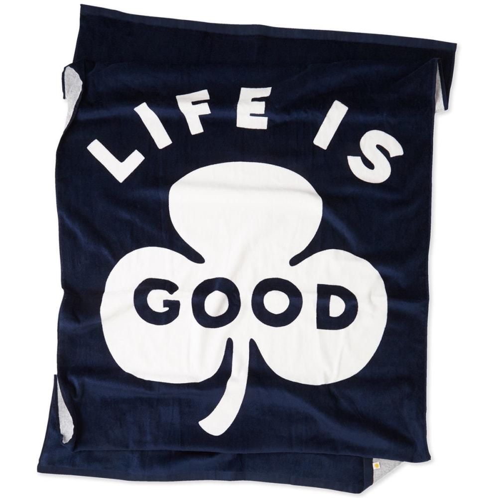 LIFE IS GOOD Clover Beach Towel - DARKEST BLUE