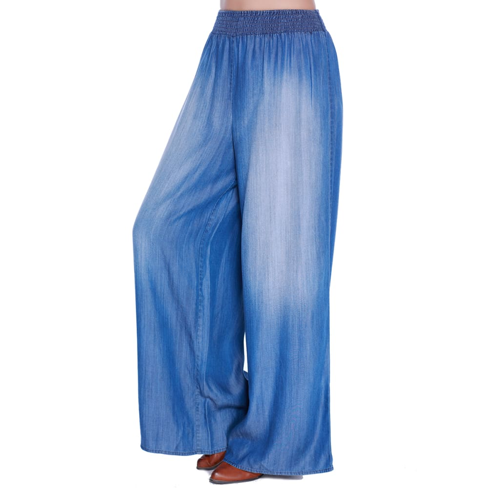TAYLOR & SAGE Juniors' Chambray Smocked Waist Palazzo Pants - LBL-LT BLUE
