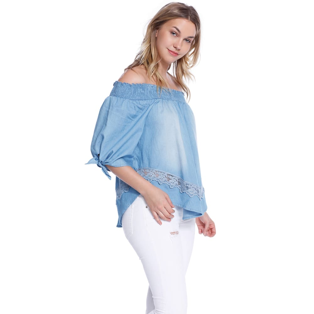 TAYLOR & SAGE Juniors' Denim Off-Shoulder Top - MCH- MEDIUM CHAMBRAY