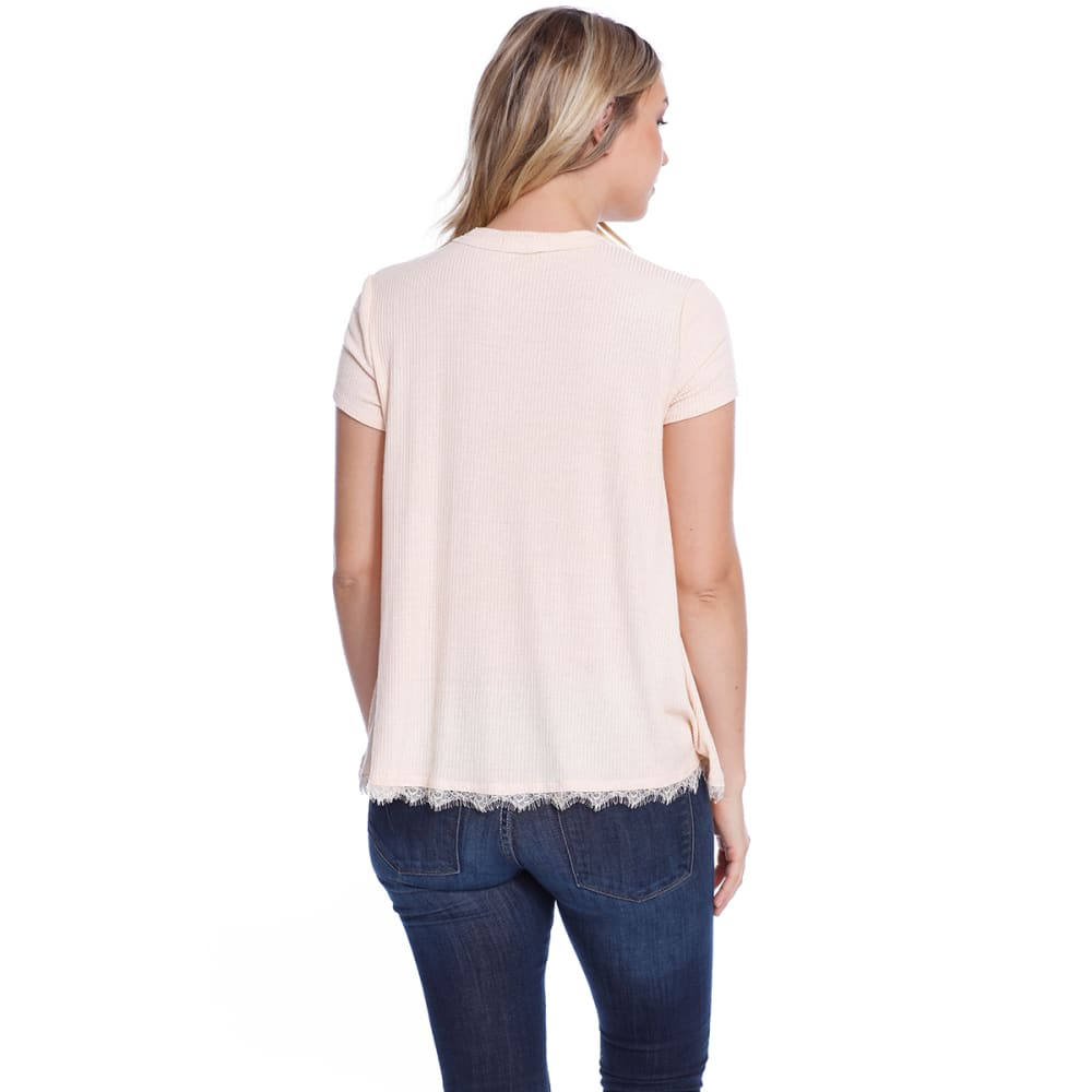 TAYLOR & SAGE Juniors' Choker V-Neck Screen Short-Sleeve Tee - PEH-PEACH HAZE