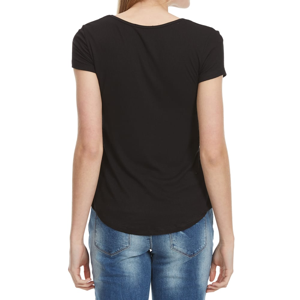 AMBIANCE Juniors' Round Neck Short-Sleeve Tee with Shirttail - BLACK