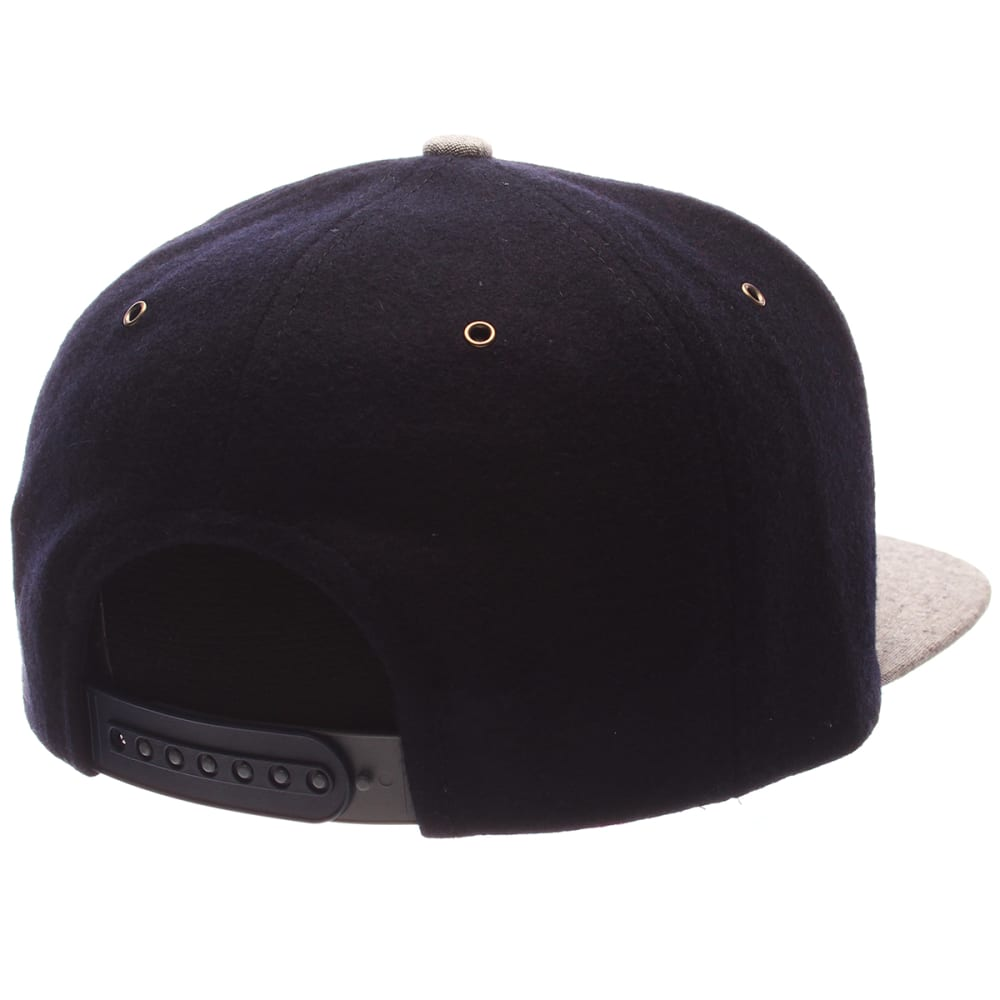 UCONN Men's Executive Snapback Cap - NAVY/GREY