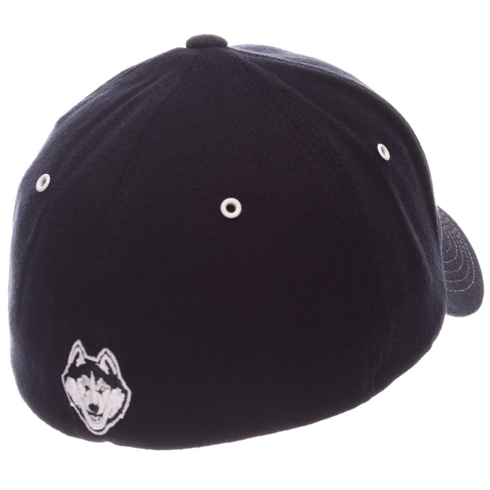 UCONN Men's Varsity Fit Cap - NAVY