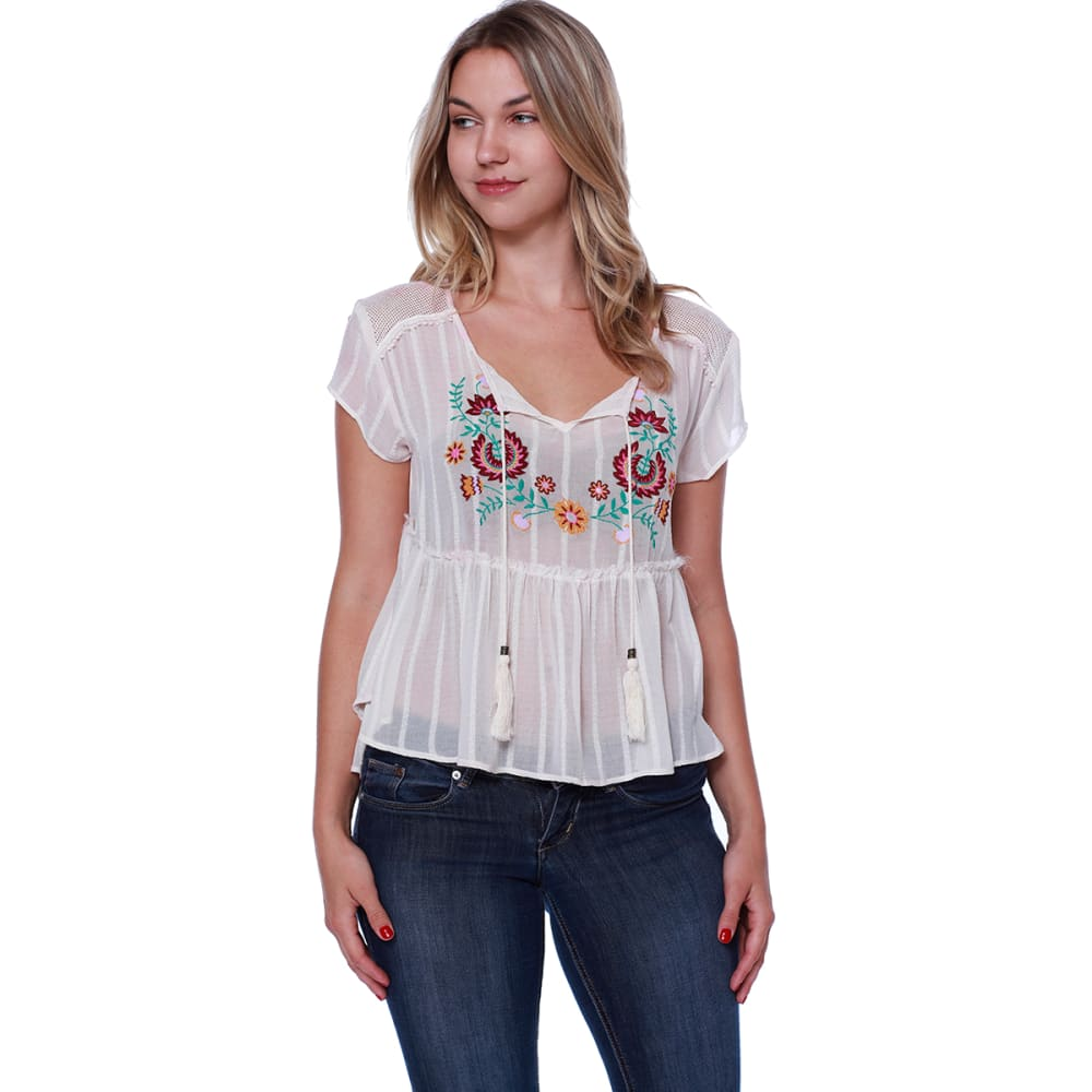 TAYLOR & SAGE Juniors' Tassel Front Short Sleeve Peasant Top - WHC-WHITE CLIFFS