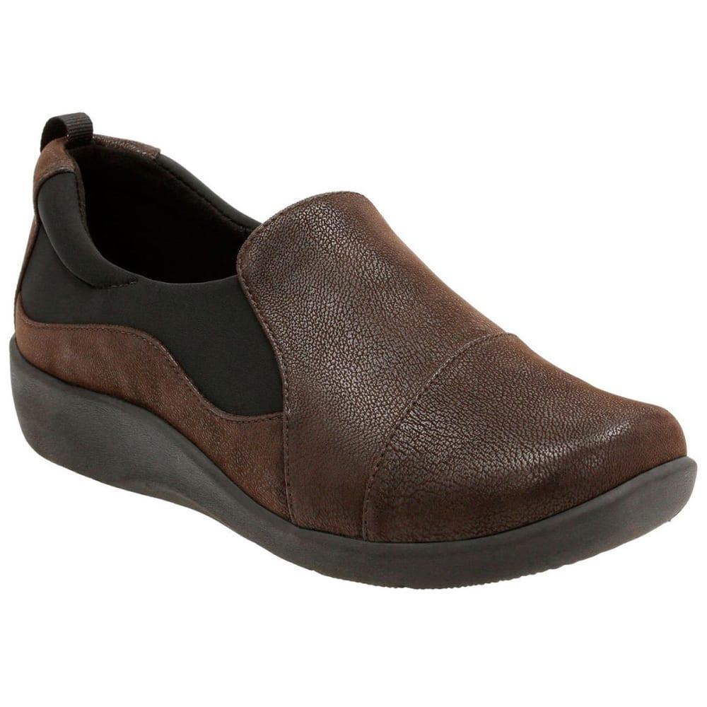 CLARKS Women's Sillian Paz Casual Slip-On Shoes, Dark Brown 6.5