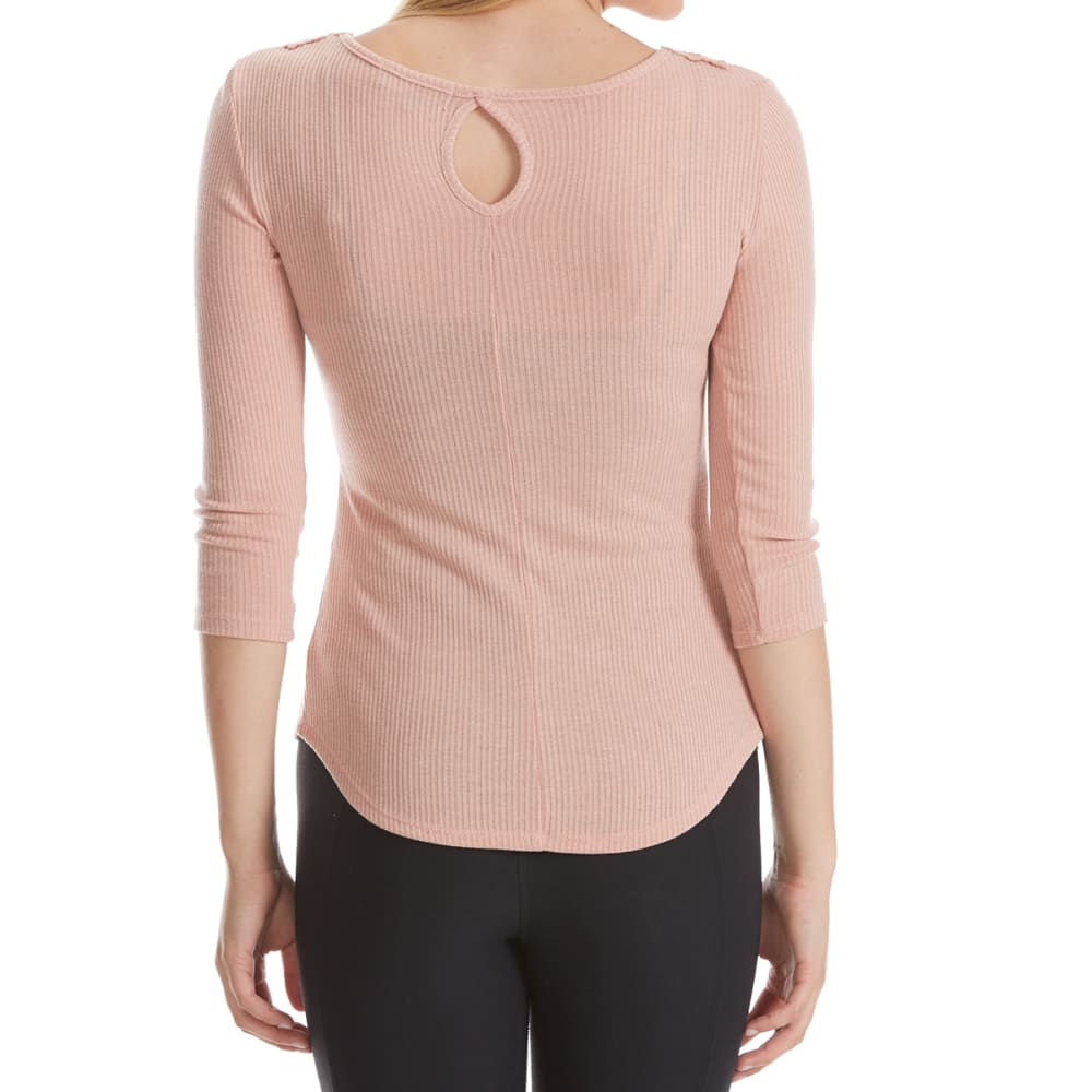 ALMOST FAMOUS Juniors' Medallion Front Ribbed ¾-Sleeve Top - TEA ROSE