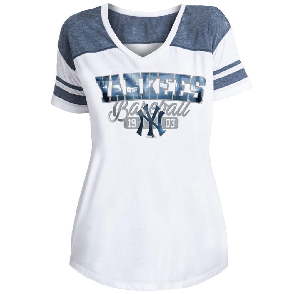 NEW YORK YANKEES Women's Burnout Wash V-Neck Short-Sleeve Tee - WHITE